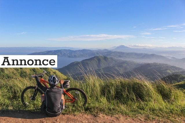 Nyder den flotte udsigt efter en cykeltur